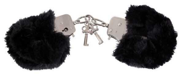 Handschellen aus Metall und Plüsch